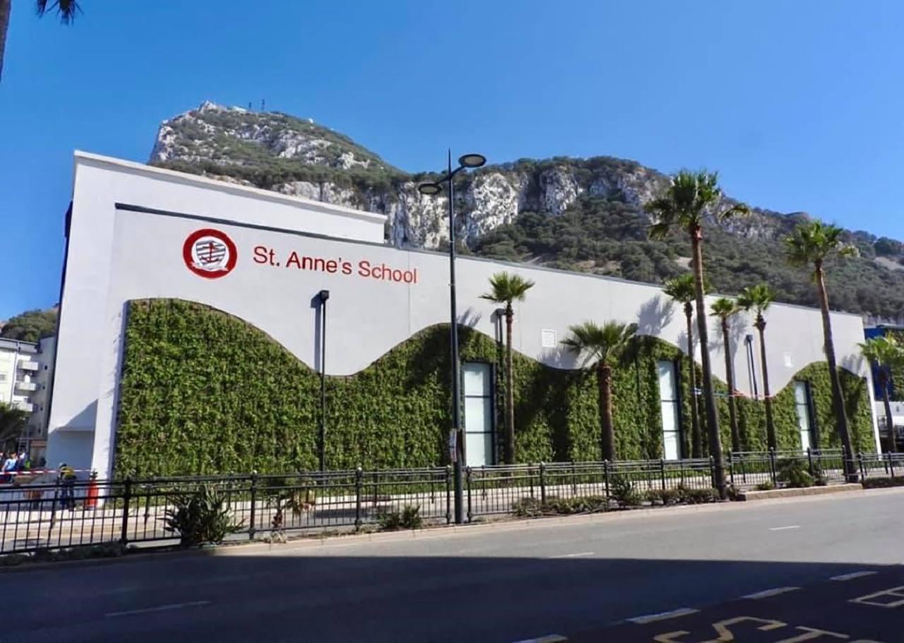 SemperGreenwall in zonnig Gibraltar