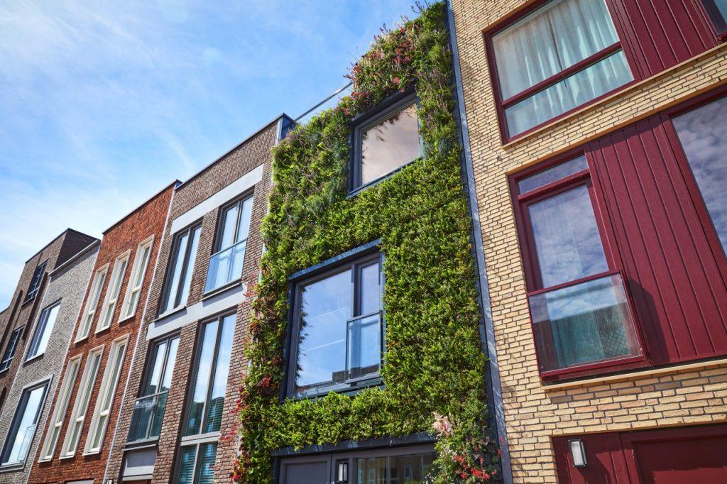Groene mondriaangevel in Nieuw-Delft