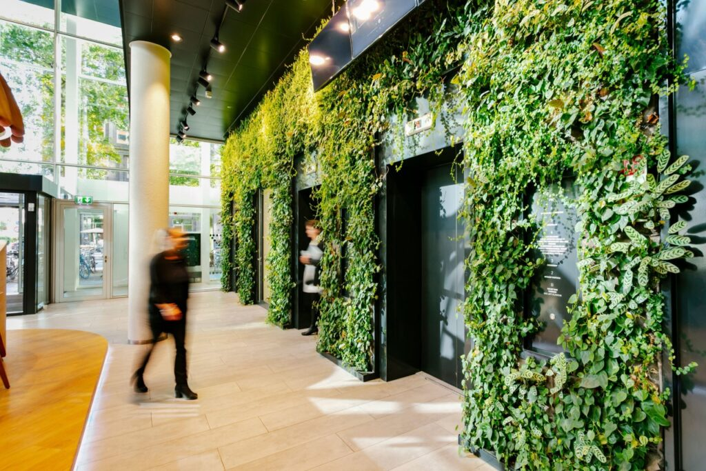 SemperGreenwall Indoor can be applied in all shapes and sizes